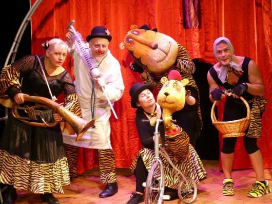"""Międzynarodowy Dzień Teatru """"Dotknij Teatru"""" (źródło: materiały prasowe organizatora)"""