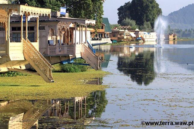 Kaszmir, mieszkalne łodzie na jeziorze Nagin, fot. Katarzyna i Andrzej Mazurkiewiczowie