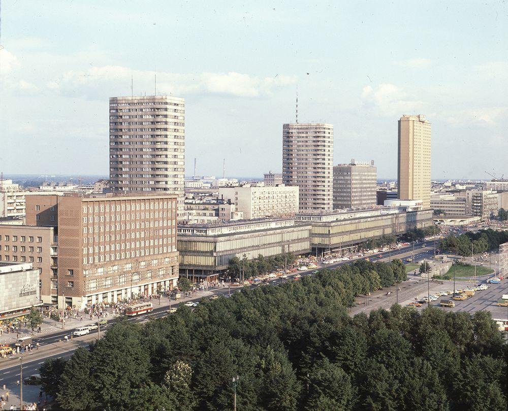 Panorama Ściany Wschodniej, fot. Sadowski, 1981, Warszawa. Narodowe Archiwum Cyfrowe (źródło: materiały prasowe organizatora)