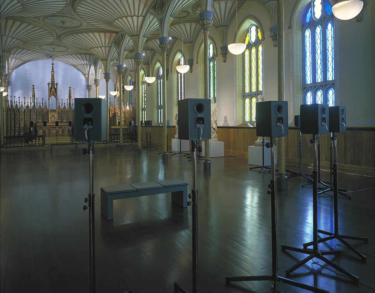 """Janet Cardiff, """"The Forty Part Motet"""", Rideau Chapel, Narodowa Galeria Sztuki Kanady, 2001. Dzięki uprzejmości Narodowej Galerii Sztuki Kanady (źródło: materiały prasowe organizatora)"""