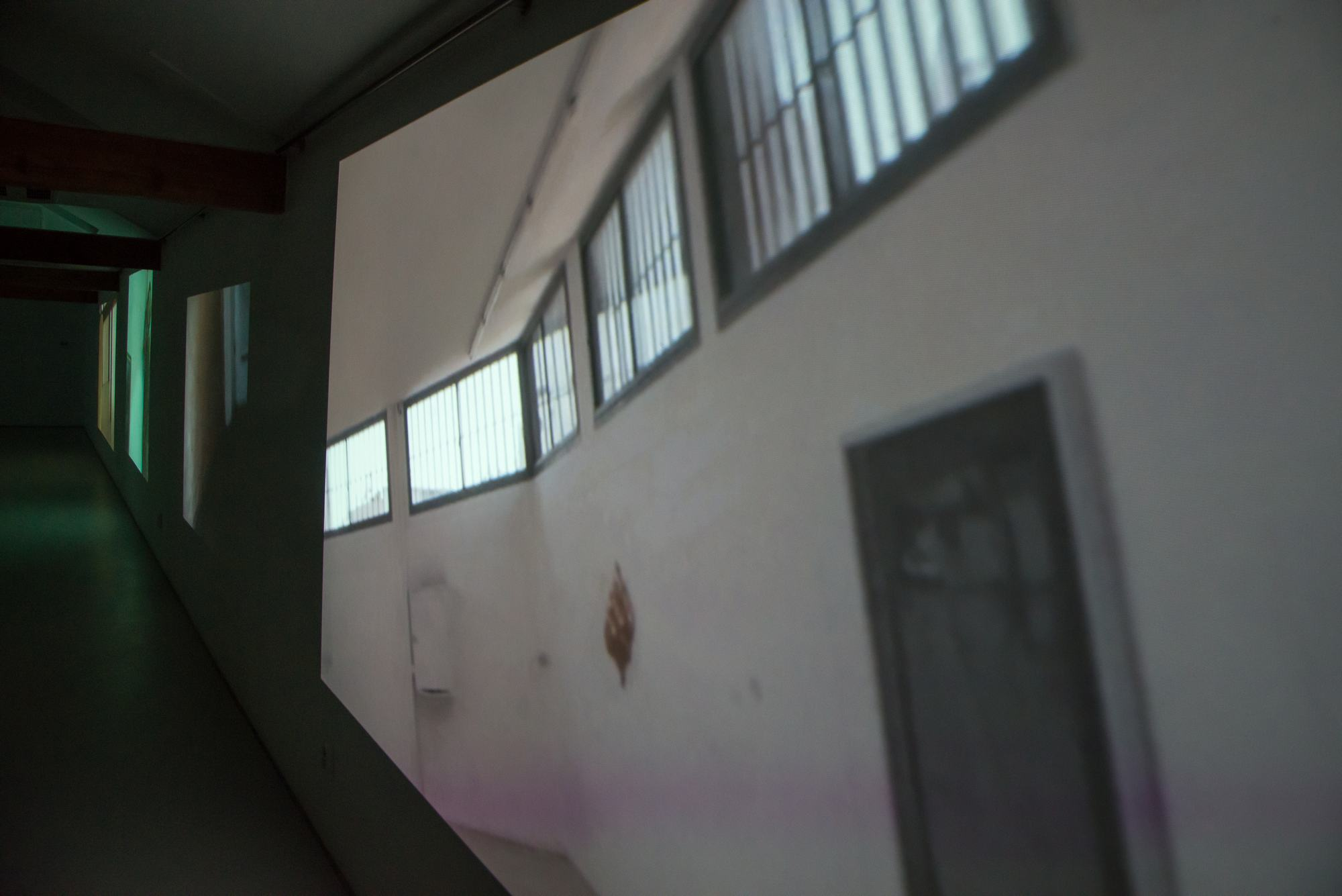 """Mirosław Bałka, """"Gatunki przestrzeni"""", Centrum Aktywności Twórczej w Ustce – widok wystawy (źródło: materiały prasowe organizatora)"""