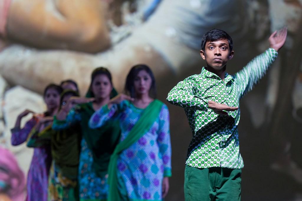 """""""Made in Bangladesh"""", chor. Helena Waldmann, fot. Wonge Bergmann (źródło: materiały prasowe organizatora)"""