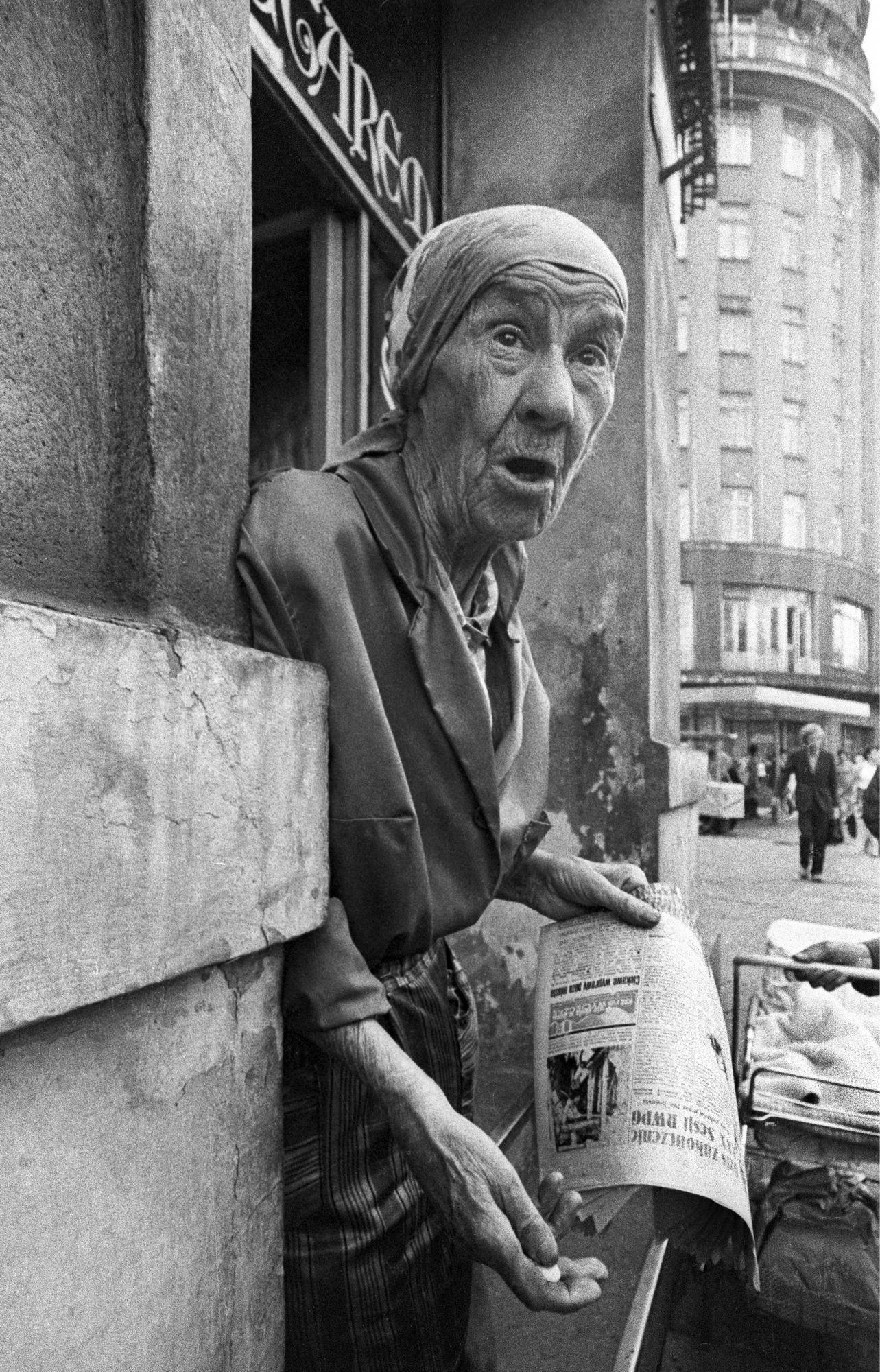 """Henryk Tomasz Kaiser, fot. z wystawy """"Ludzie ulic Krakowa"""" (źródło: materiały prasowe organizatora)"""