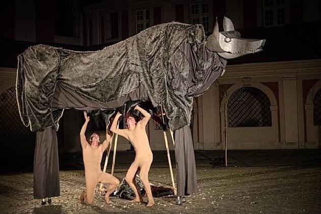 """Teatr Ewolucji Cienia, """"Czas Wilka"""" (źródło: materiały prasowe organizatora)"""