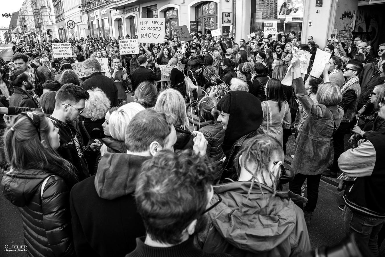 """Aleksandra Ska, """"Protest przeciwko kompletnemu zakazowi aborcji"""", fot. Szymon Mucha (źródło: materiały prasowe organizatora)"""