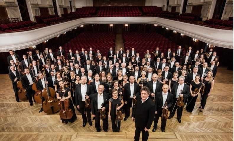 Jacek Kaspszyk i Orkiestra Filharmonii Narodowej (źródło: materiały prasowe organizatora)