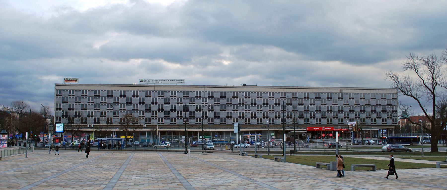 Hotel Cracovia w Krakowie, fot. Zygmunt Put (źródło: Wikimedia Commons, na licencji GFDL)