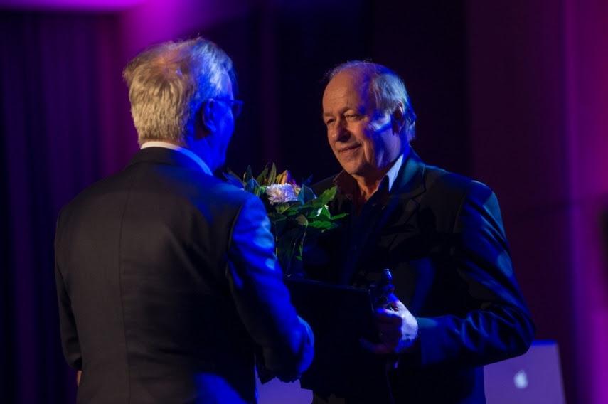Wojciech Marczewski odbiera nagrodę z rąk Prezesa SFP Jacka Bromskiego, fot. Borys Skrzyński, Robert Jaworski (źródło: materiały prasowe organizatora)