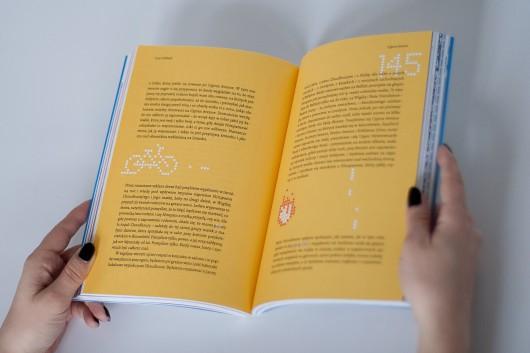 """""""Opowiadanie"""", nr 5/2017. Kopublikacja: 12. Międzynarodowy Festiwal Opowiadania we Wrocławiu, duet Pillcrow, galeria Dizajn BWA Wrocław (źródło: materiały prasowe)"""