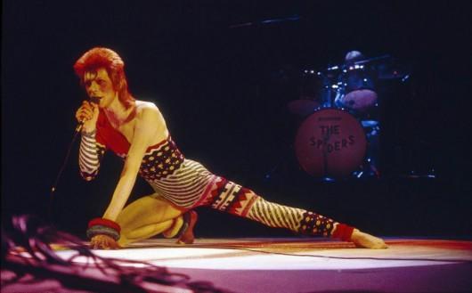 """""""Ziggy Stardust & The Spiders From Mars"""" – kadr z filmu (źródło: materiały prasowe organizatora)"""