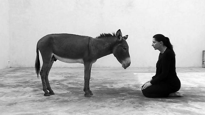 """Marina Abramovic, """"Back to Simplicity"""" (źródło: materiały prasowe organizatora)"""