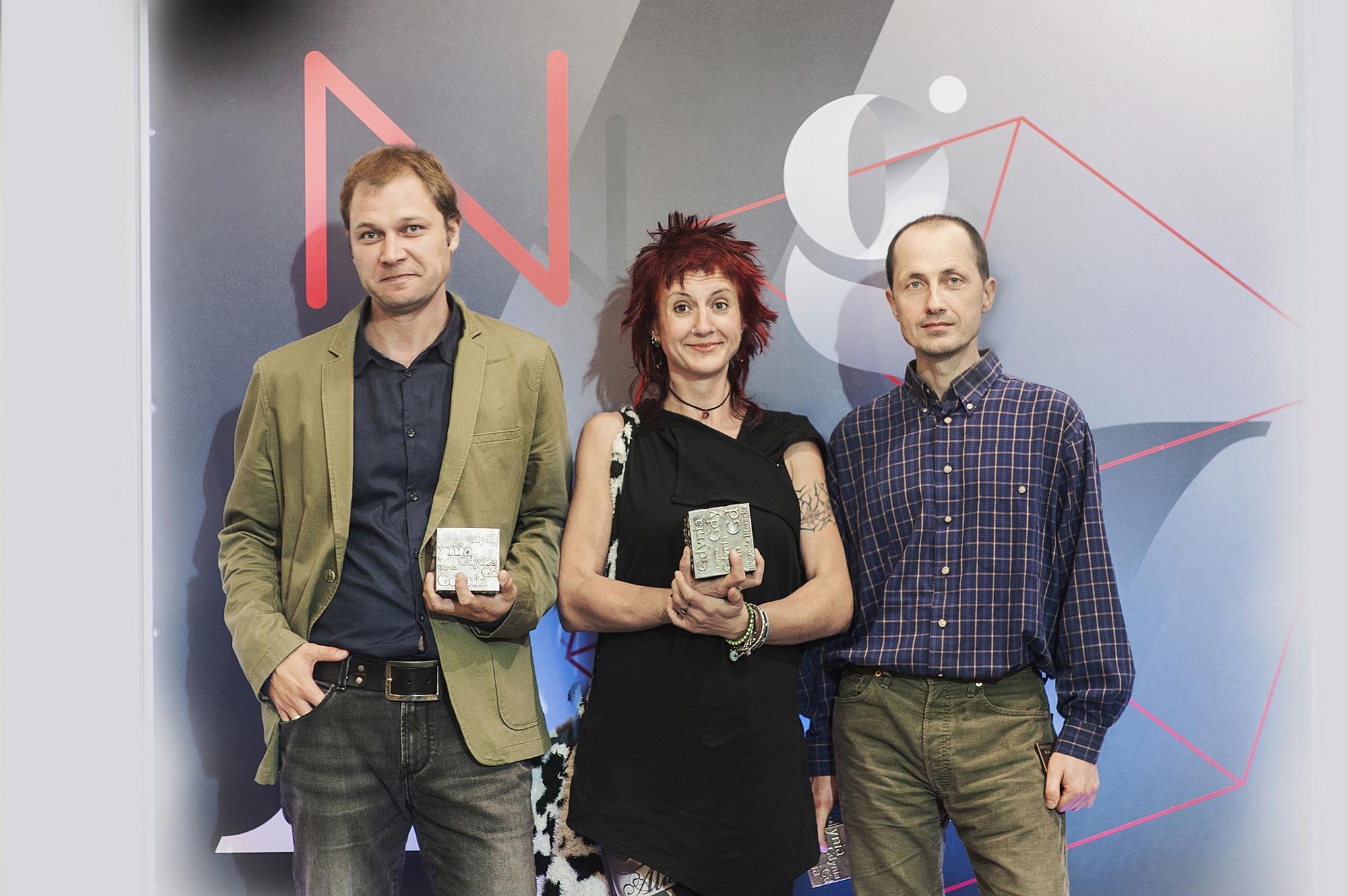 Laureaci Nagrody Literackiej Gdynia: Krzysztof Siwczyk, Salcia Hałas, Michał Sobol, fot. Bogna Kociumbas (źródło: materiały prasowe)
