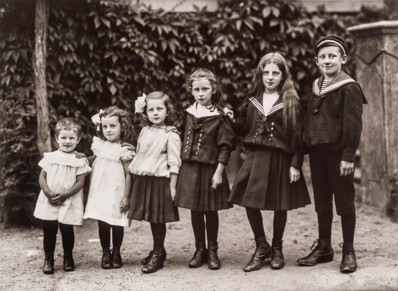 August Sander: Dzieci właściciela majątku ziemskiego, 1911–1914 © Die Photographische Sammlung/SK Stiftung Kultur – August Sander Archiv, Köln; VG Bild-Kunst, Bonn, 2017 (źródło: materiały prasowe organizatora)