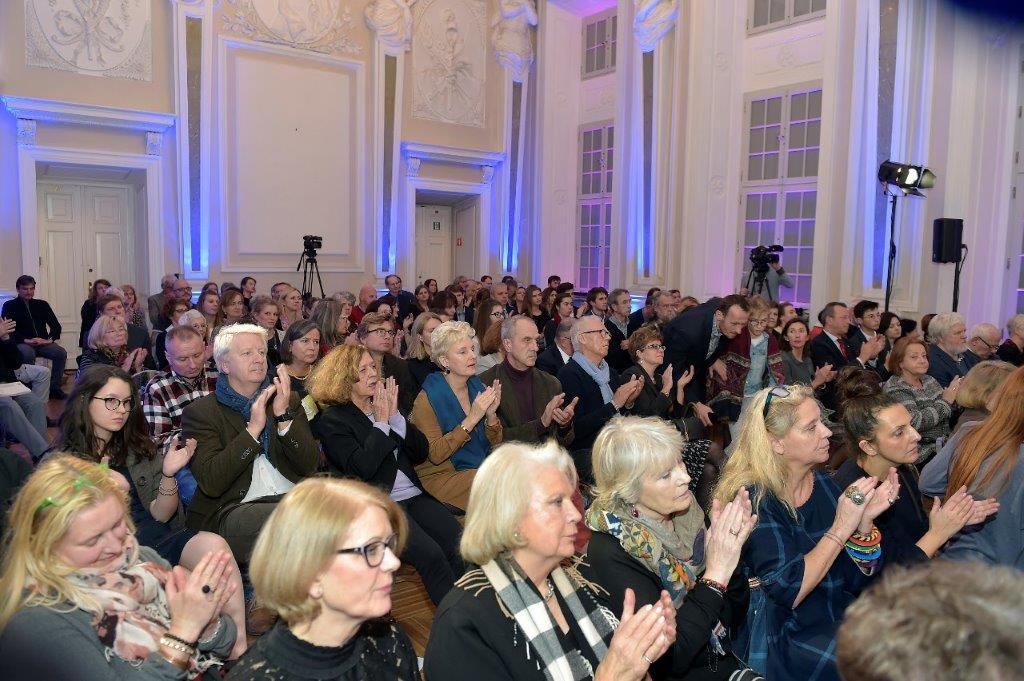 Goście zgromadzeni na wieczorze (źródło: materiały prasowe organizatora)