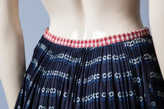 Spódnica farbowana indygo (źródło: materiały prasowe)