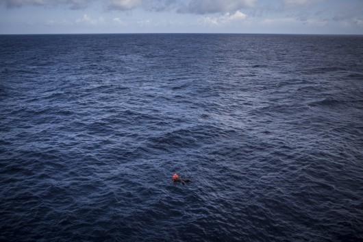 """""""Śródziemnomorskie migracje"""", Mathieu Willcocks, MOAS – Bieżące wydarzenia – fotoreportaż, World Press Photo 2017 (źródło: materiały prasowe)"""