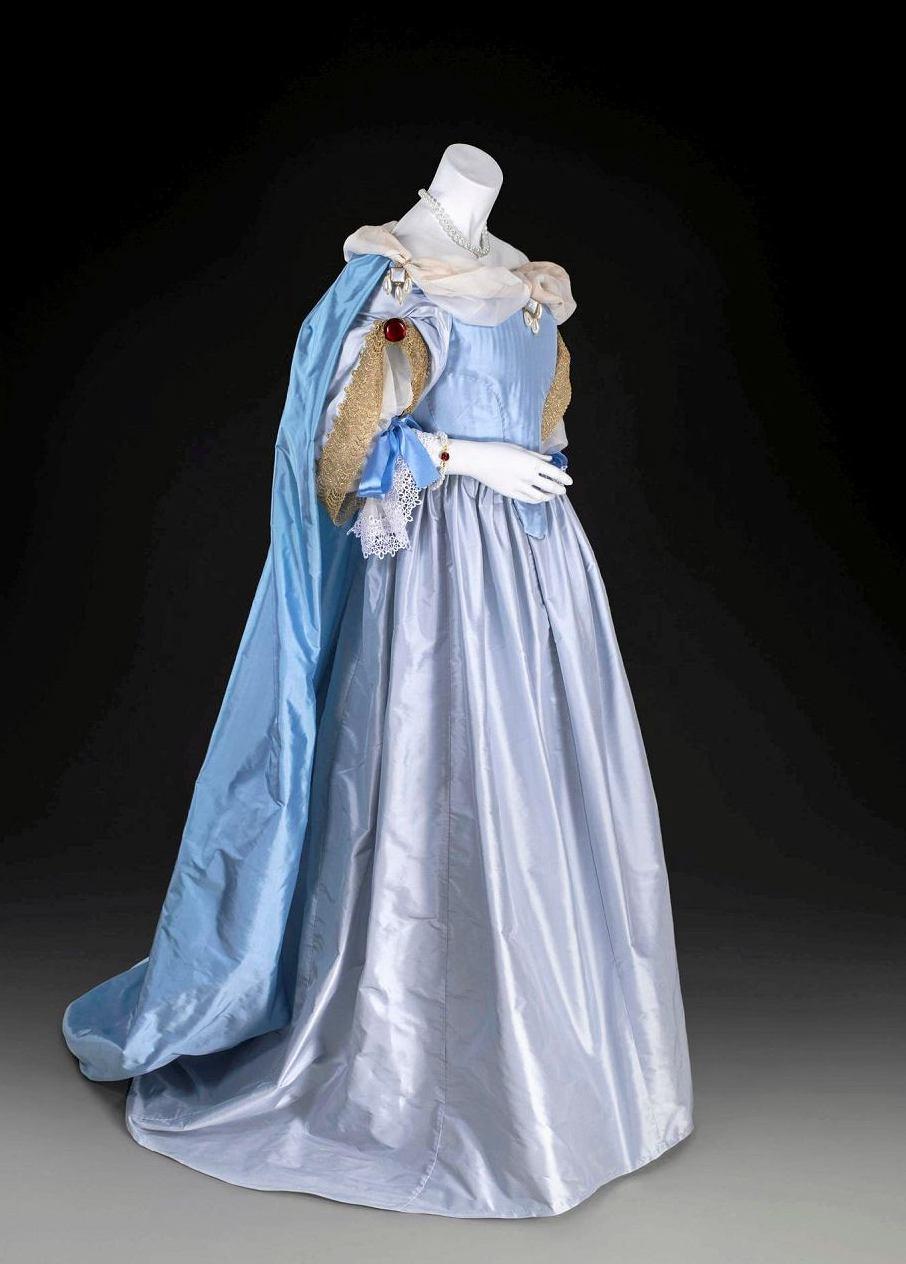 Suknia Marii Kazimiery, rekonstrukcja, wyk. Elżbieta Litwiniak (źródło: materiały prasowe organizatora)