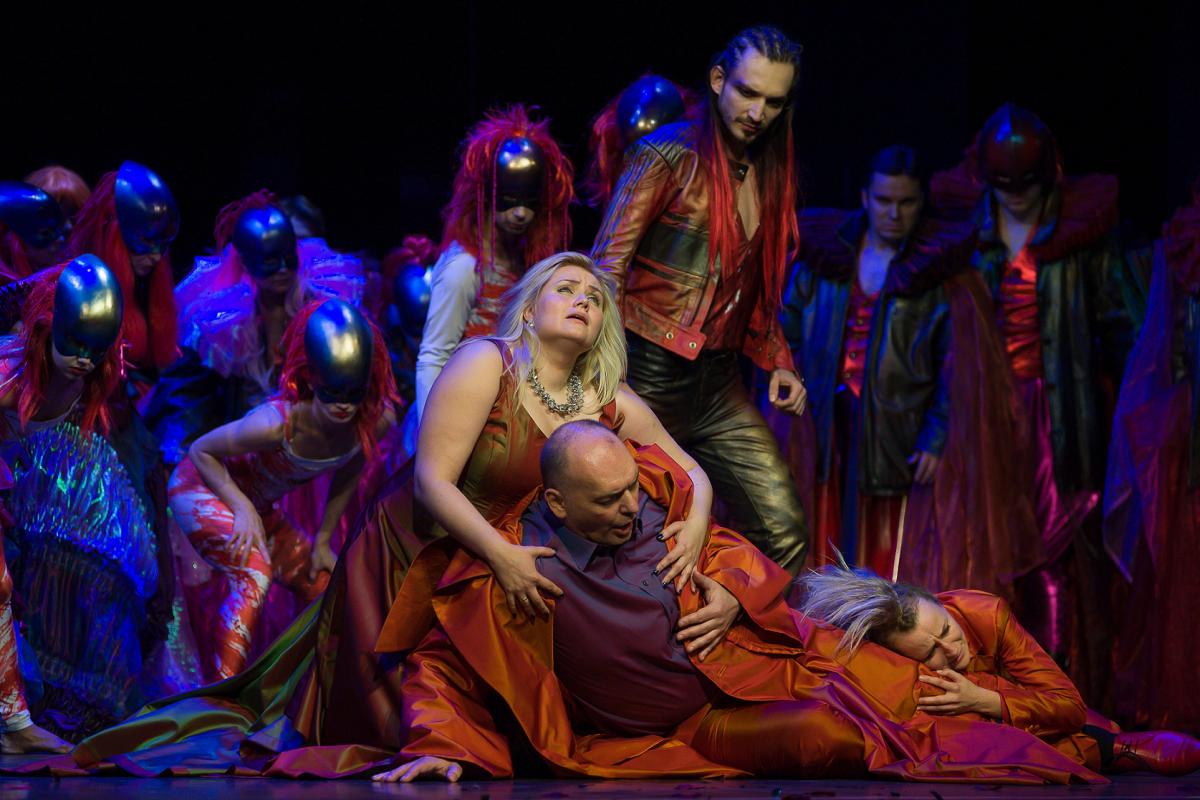 """Giuseppe Verdi, """"Bal maskowy"""", reż. Waldemar Zawodziński, fot. D. Gorajski (źródło: materiały prasowe organizatora)"""
