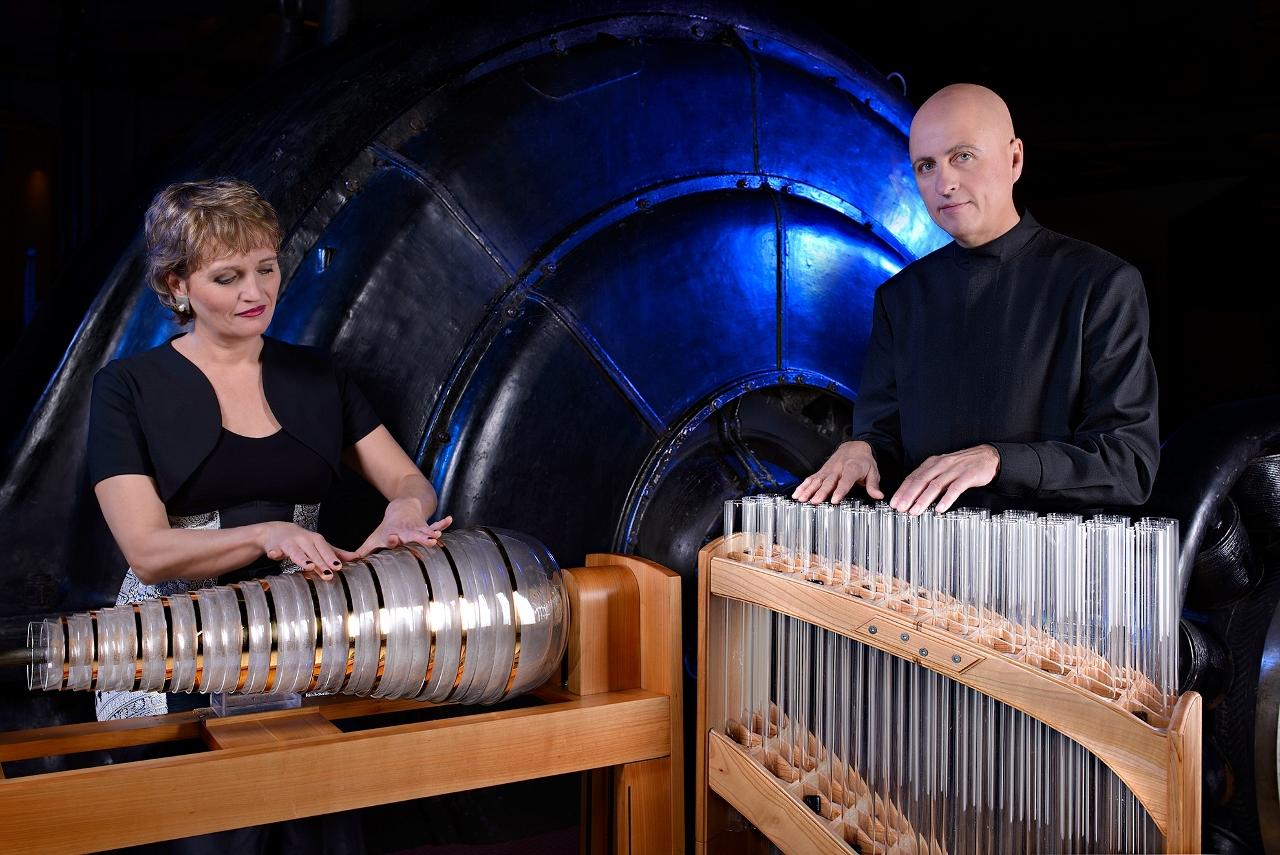 Wiener Glasharmonika Duo (źródło: materiały prasowe organizatora)