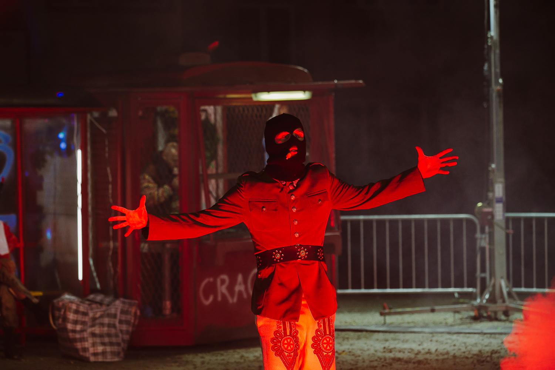 """Mateusz Pakuła, """"W ogień!"""", reż. Wojciech Klemm (źródło: materiały prasowe teatru)"""