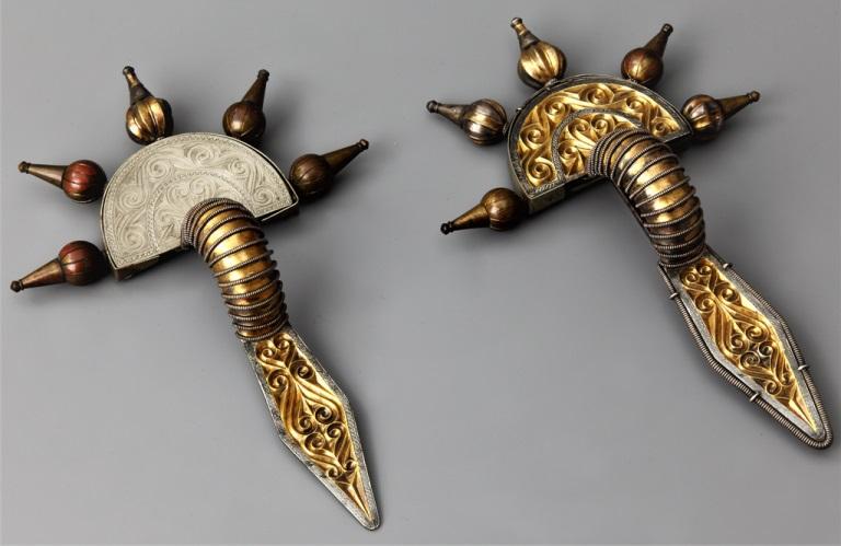 Pozłacane zapinki srebrne ze skarbu odkrytego w Świelinie (źródło: materiały prasowe organizatora)