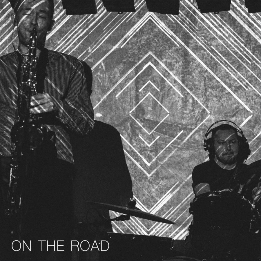 """Fraktale, """"On The Road"""" – okładka płyty (źródło: materiały prasowe)"""