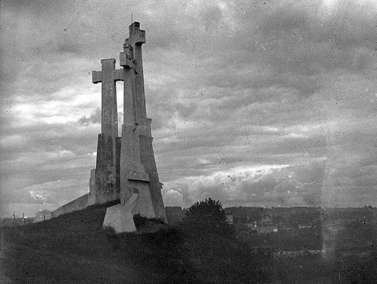 Trzy Krzyże w Wilnie, proj. Antoni Wiwulski, ok. 1930, fot. Wikicommons (źródło: materiały prasowe organizatora)
