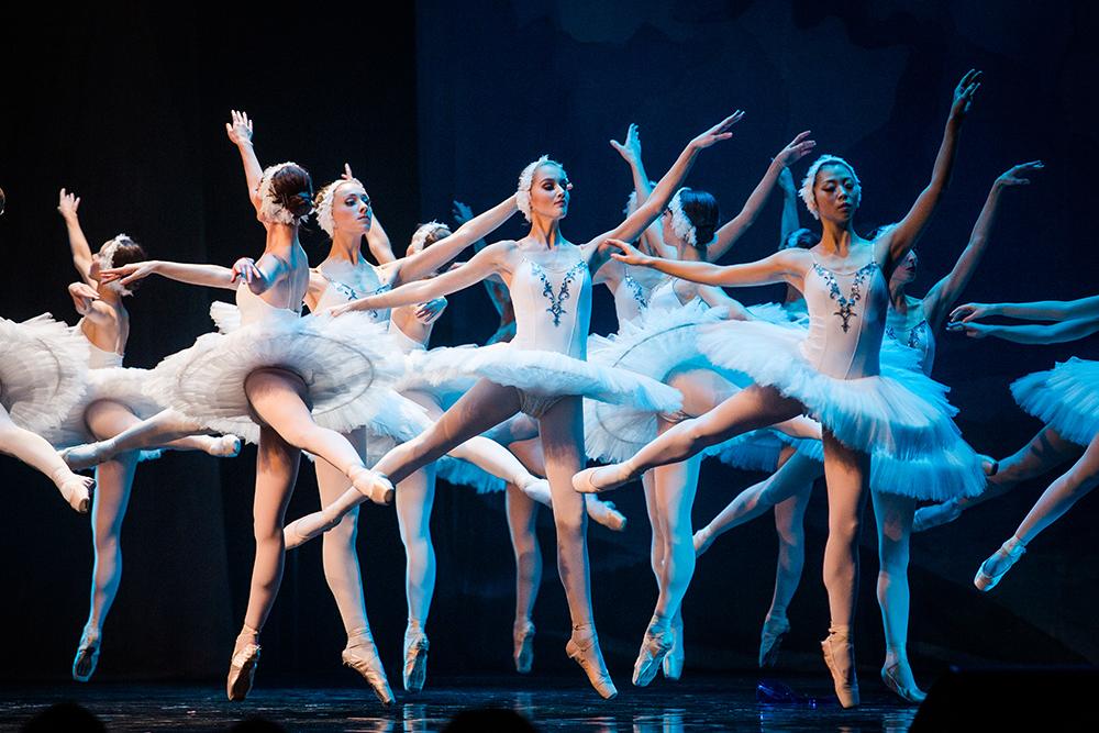 """""""Jezioro Łabędzie"""", The Royal Moscow Ballet (źródło: materiały prasowe organizatora)"""