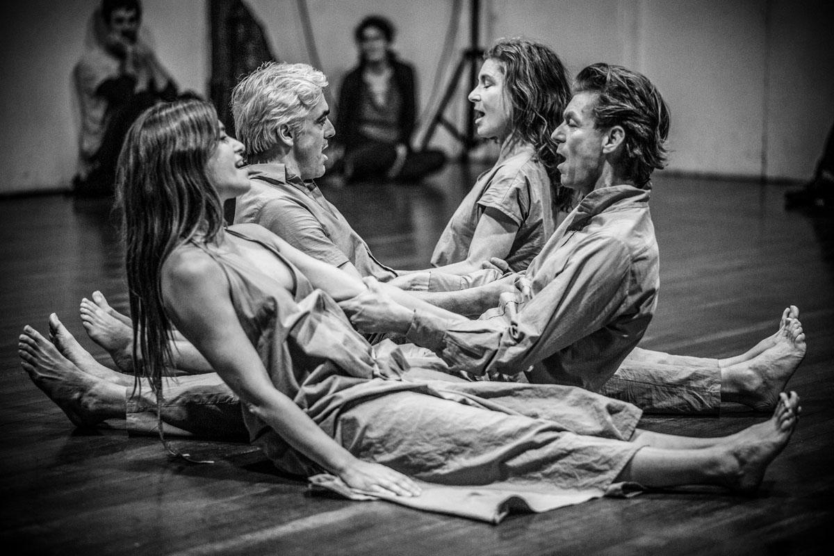"""The Moon"", reż, Needcompany, fot. Lambert de Jong (źródło: materiały prasowe organizatora)"