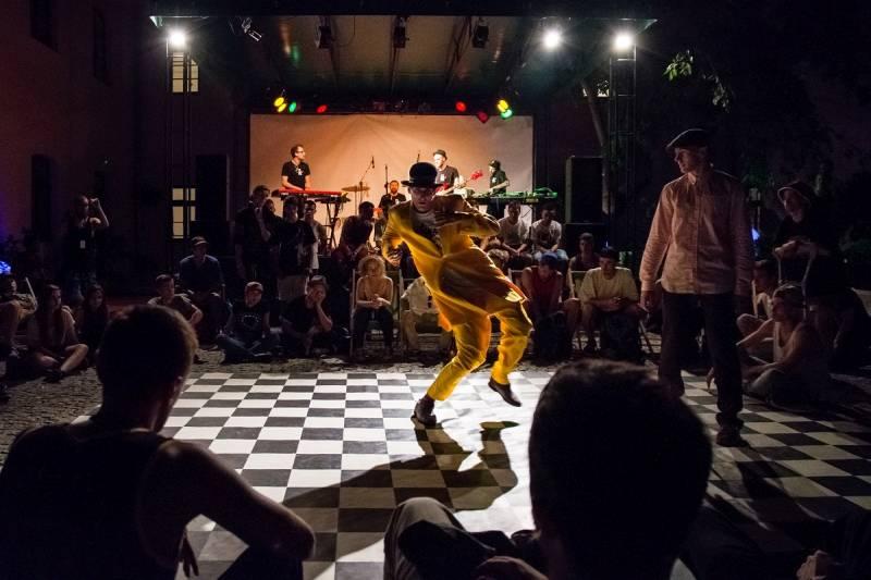 Letni Konkurs Tańca w Wirydarzu Centrum Kultury w Lublinie, fot. Malina Łukasiewicz (źródło: materiały prasowe organizatora)