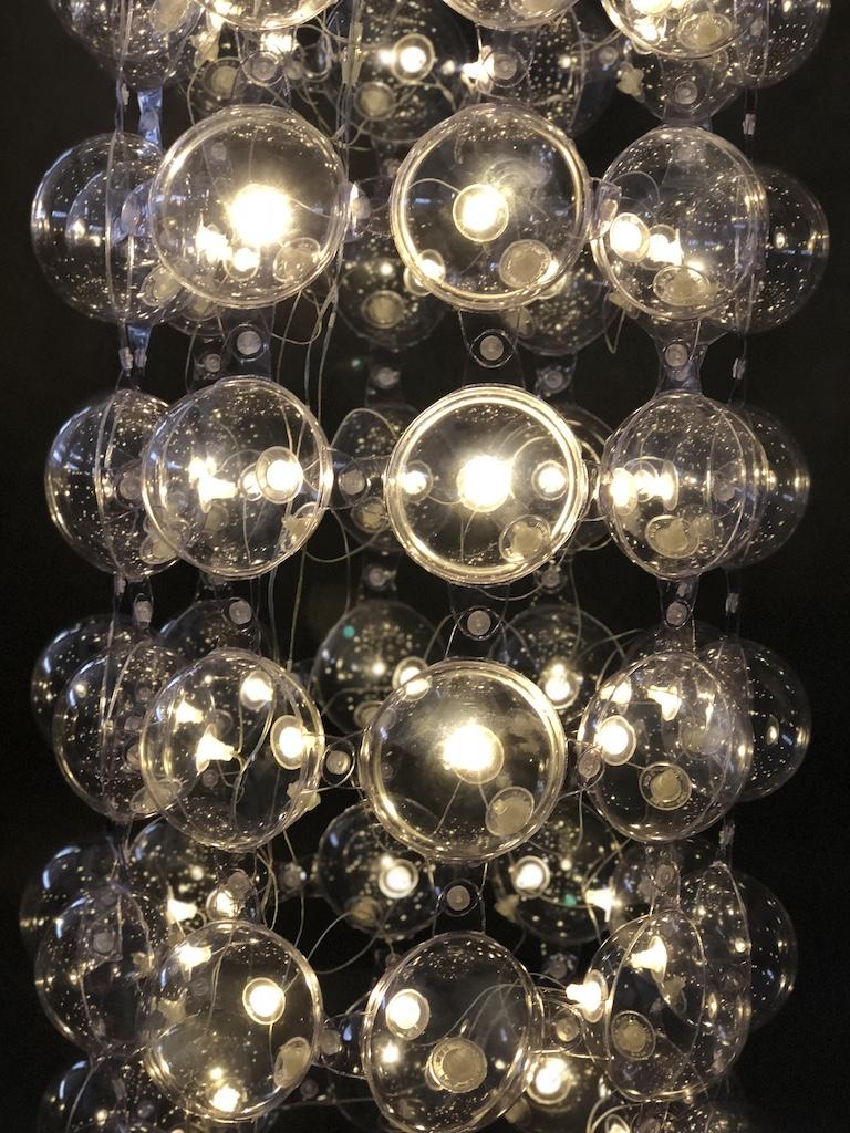 """Lampa Bubbles"", Puff–Buff (źródło: materiały prasowe producenta)"