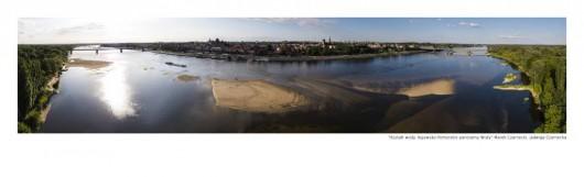"""""""Kształt wody. Kujawsko-pomorskie panoramy Wisły"""", Jadwiga i Marek Czarneccy (źródło: materiały prasowe organizatora)"""