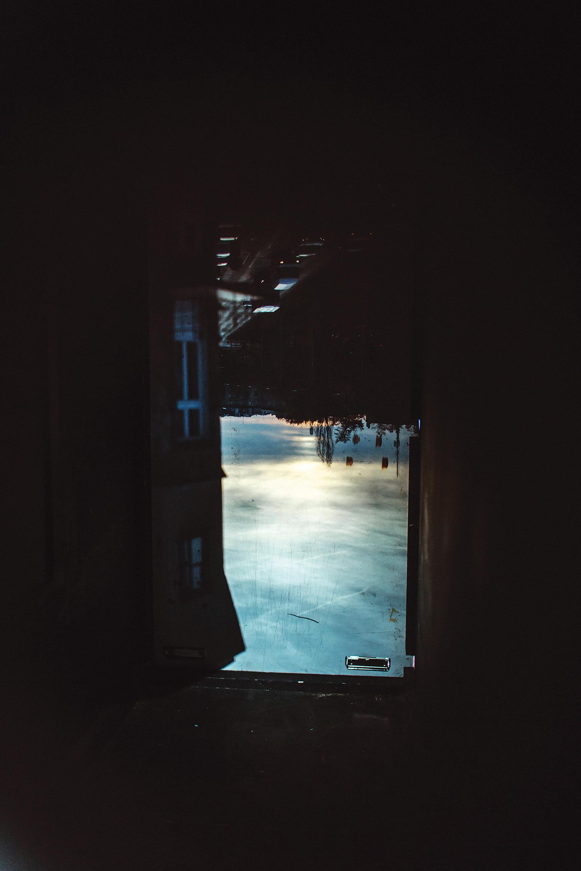 Matówka aparatu fotograficznego z widokiem z okna pracowni artysty na Kopiec Kościuszki