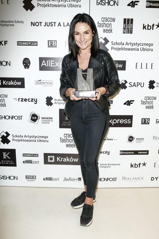 Anna Nowak-Curyło, zwyciężczyni konkursu Cracow Fashion Awards, Gala Cracow Fashion Awards, marzec 2019, Kraków, fot. Podlewski/AKPA (źródło: materiały prasowe)