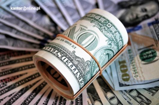 Ropa naftowa a rynki walutowe? Jak wpływają na kursy walut?