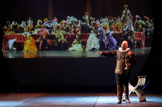 Matheus Pompeu – tenor (Brazylia), fot. Karol Fatyga (źródło: materiały prasowe)