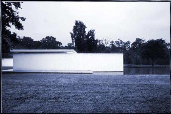 Skywood House, Graham Phillips, 2000, Denham, UK © Gordon Watkinson