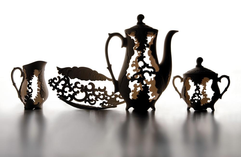 "Edyta Cieloch (Poland), ""Spanish Lace"" 2008, industrial porcelain; slip cast, hand-carved, 68 x 40 x 23 cm,  photo: Sebastian Zimmer"