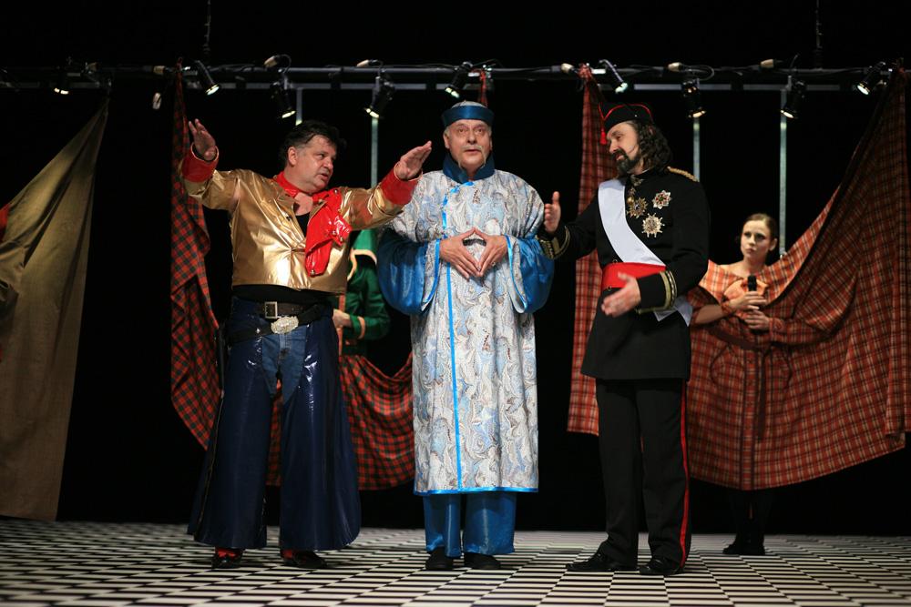Boska Komedia 2010, Wesele Hrabiego, na zdjęciu K. Globisz, T. Huk, Z. Kaleta