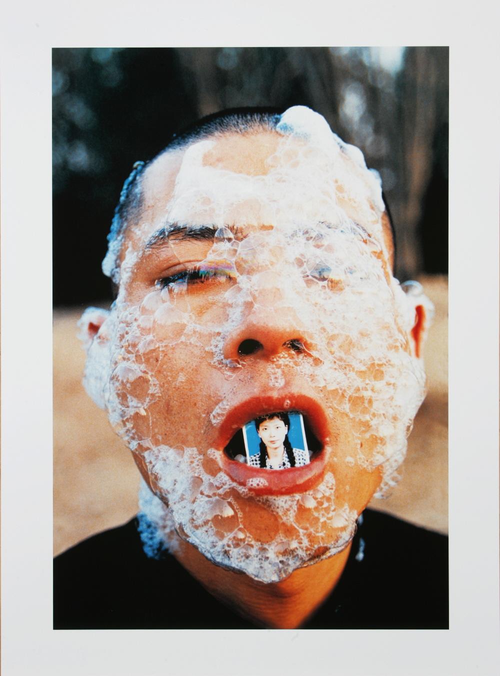 Zhang Huan, Foam, 1998, dzięki uprzejmości Zhang Huan Studio