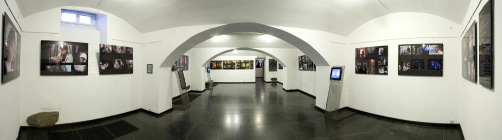 """Wystawa """"Dekalog Krzysztofa Kieślowskiego"""" w Muzeum Kinematografii"""