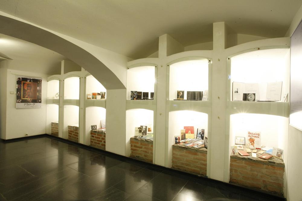 """Wystawa """"Dekalog Krzysztofa Kieślowskiego"""" w Muzeum Kinematografii w Łodzi"""