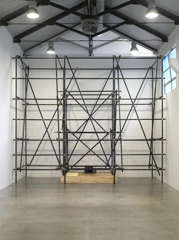 Massimo Bartolini, Organs, 20077–2008, Scaffolding, wind-chest, engine, gear wheel, fan, Courtesy Galleria Massimo De Carlo (Milan), Photo: M. Evangelista