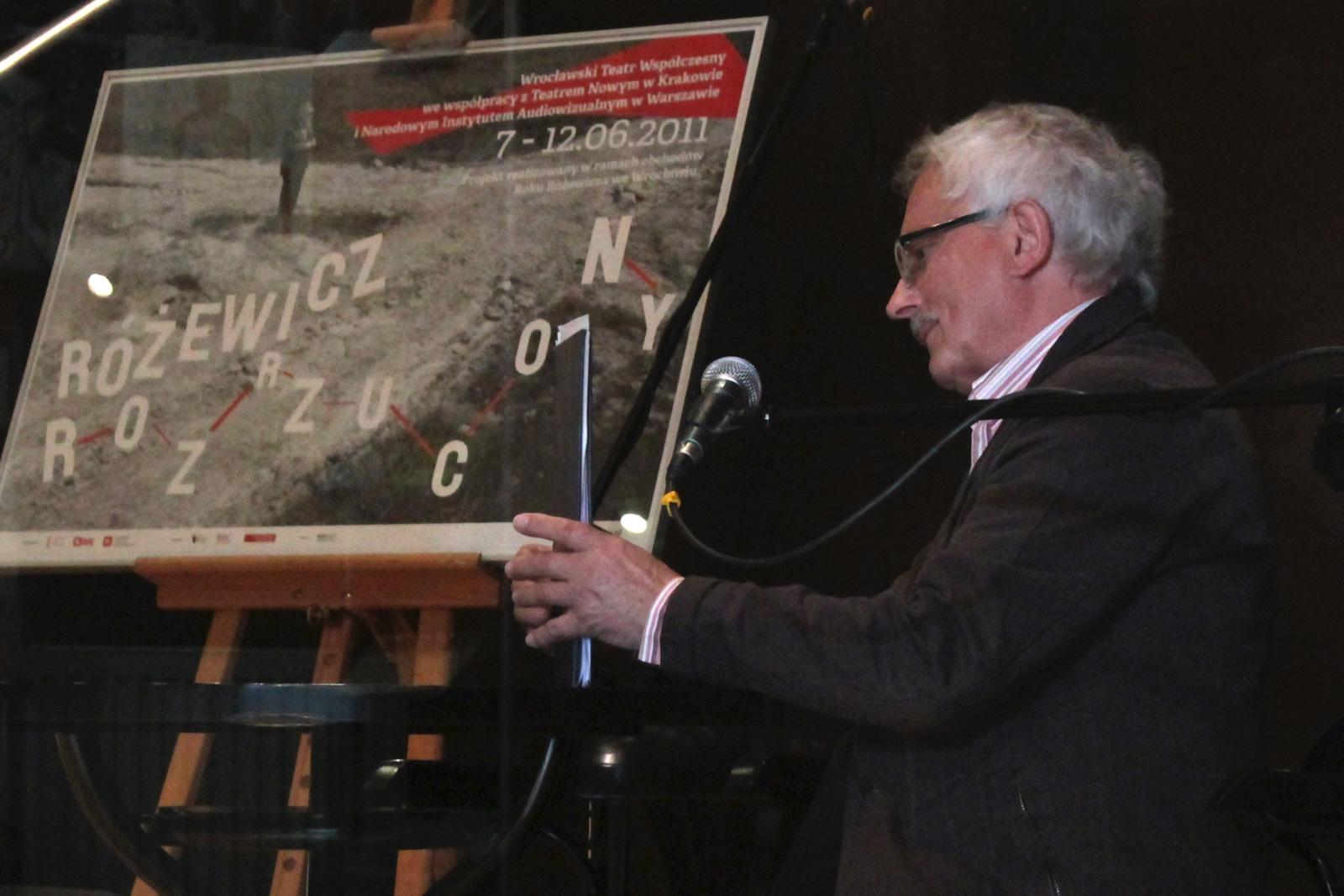 Fotorelacja Różewicz Rozrzucony, fot. Sabin Kluszczyński