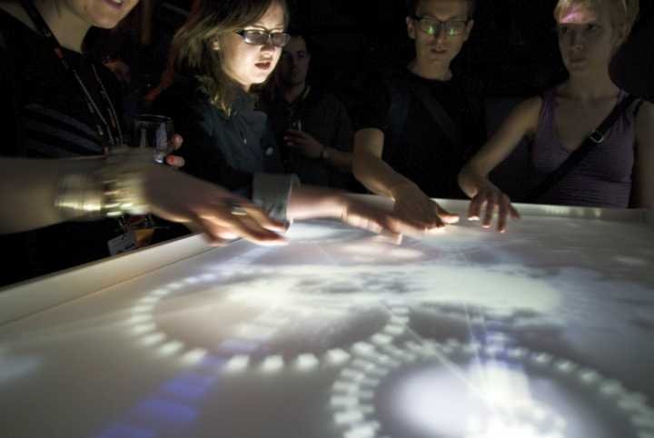 WRO 2011 Alternative Now, Wystawa Moving Stories, instalacja Pawła Janickiego Oceanus, fot. Marcin Łuczkowski (85)