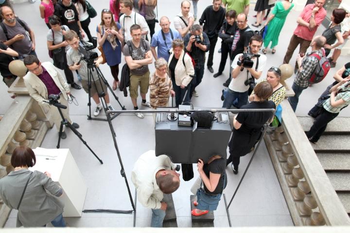 WRO 2011 Biennale, Megan Daalder, Mirrorbox, photo by Katarzyna Pałetko