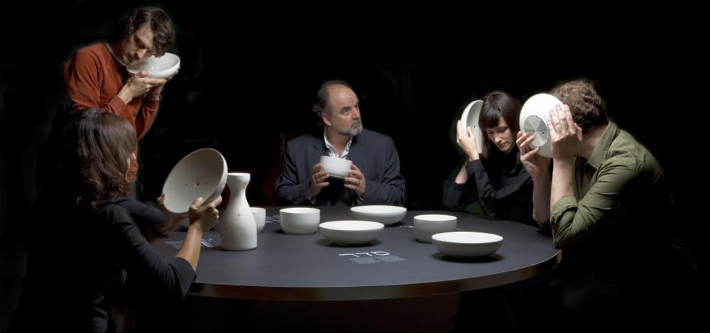 TheGreenEyl - Szepczący Stół, mat. Biennale WRO