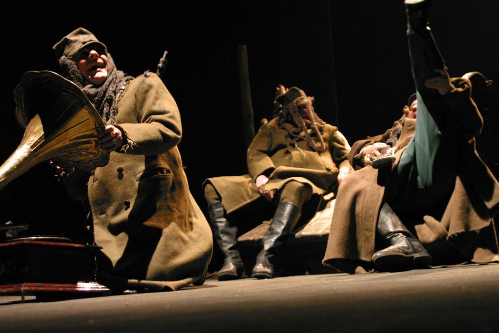 """""""Do piachu"""", reż. Janusz Opryński i Witold Mazurkiewicz (Teatr Provisorium i Kompania Teatr, Lublin)"""