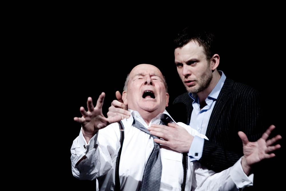 """Wrocławski Teatr Współczesny, spektakl pt. """"Pułapka"""", reżyseria Gabriel Gietzky, fot. Bartłomiej Sowa"""