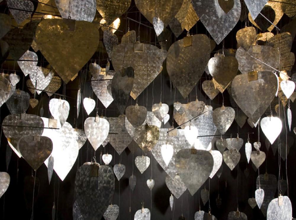Xawery Wolski, Ksieżycowa katedra, 2009, 600 elementów, materiały udostępnione przez Galerię Bielską